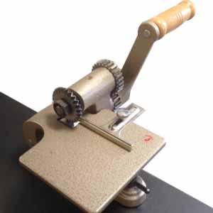 SHP200 hand pinking wheel cutter